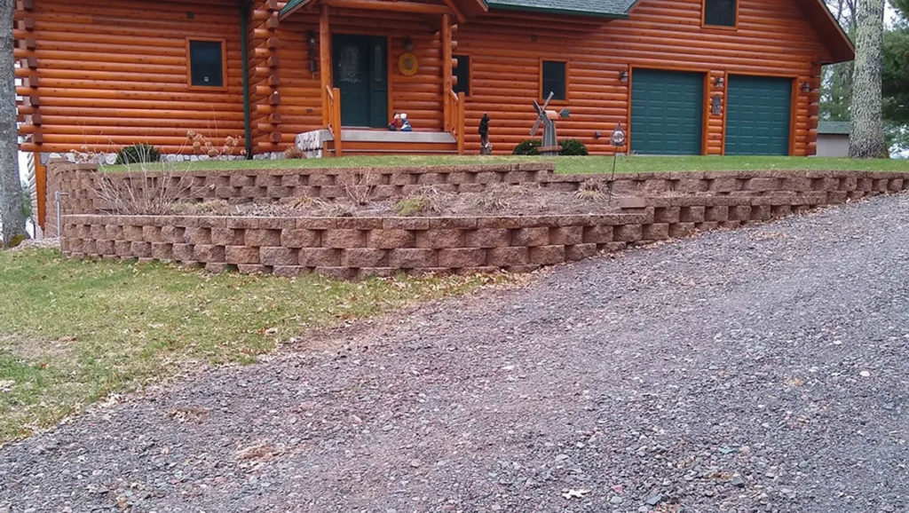 re-landscaping-st-croix-falls-wi-retaining-wall-1